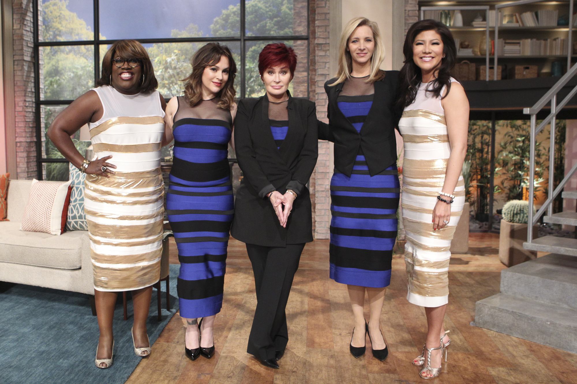 10. White And Gold Or Blue And Black?