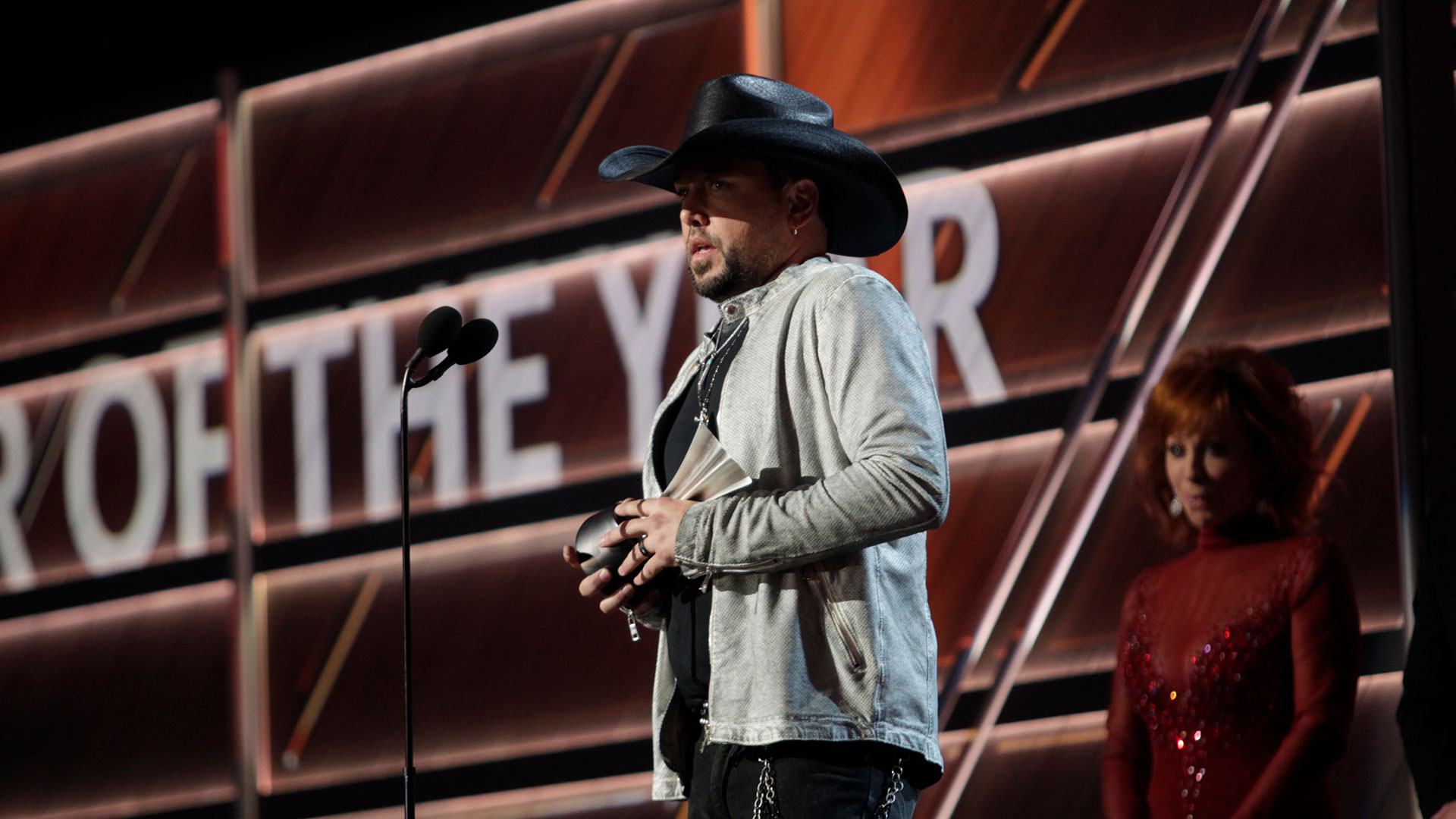 Jason Aldean wins Entertainer of the Year at the 53rd ACM Awards.