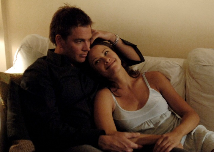 Things heat up between DiNozzo and Jeanne