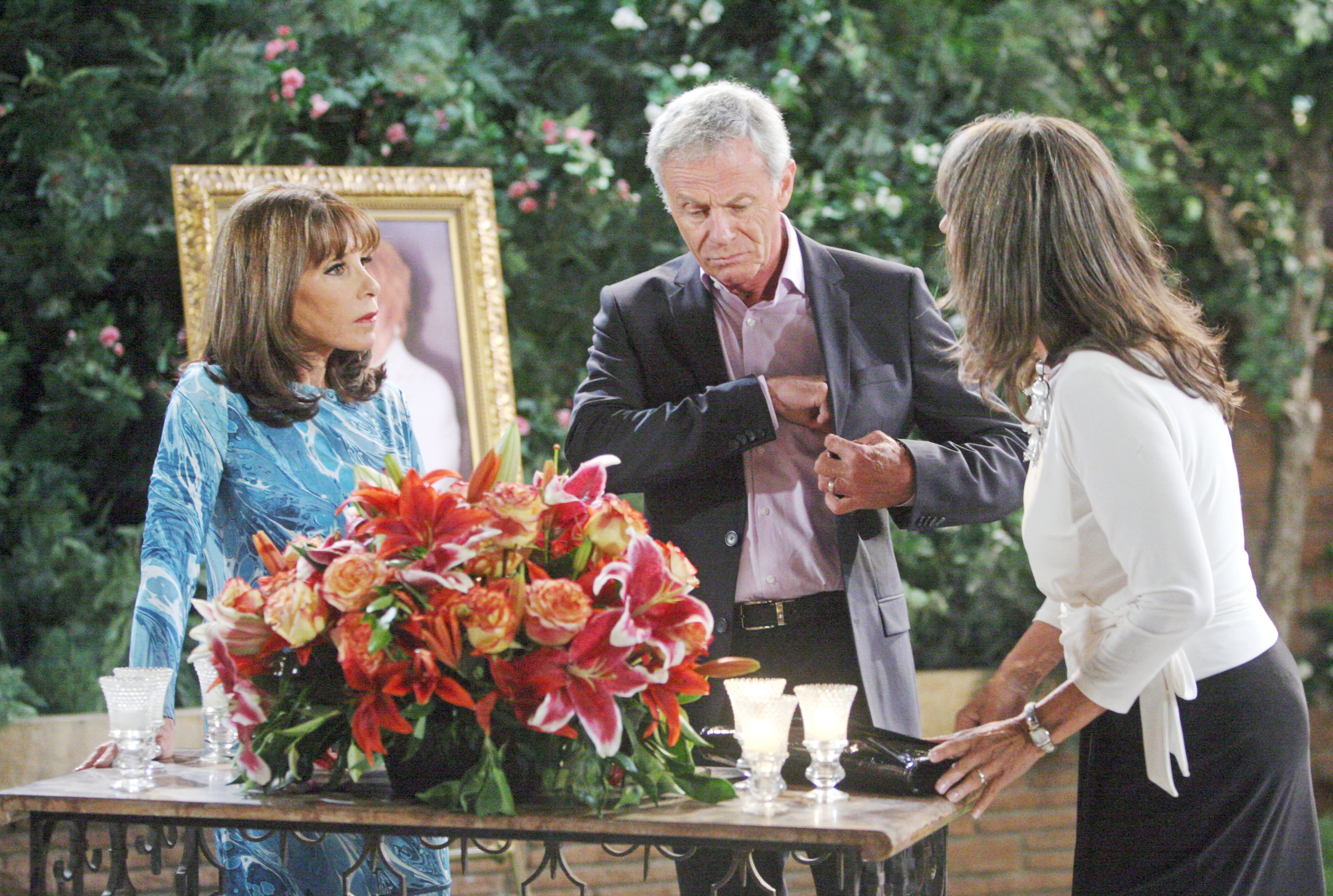 Genoa City honors Katherine Chancellor