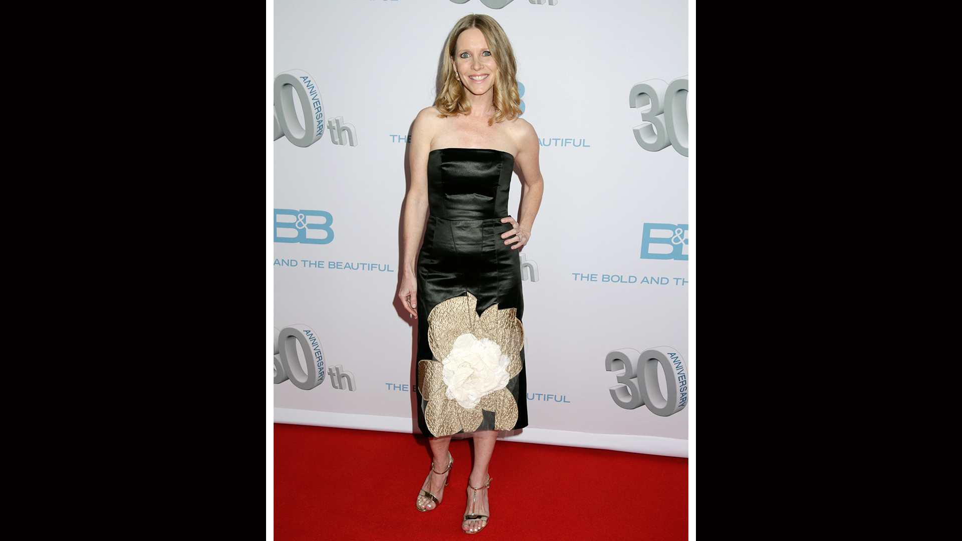 Lauralee Bell shows up to support her brother, Brad, and her mother, Lee Phillip.