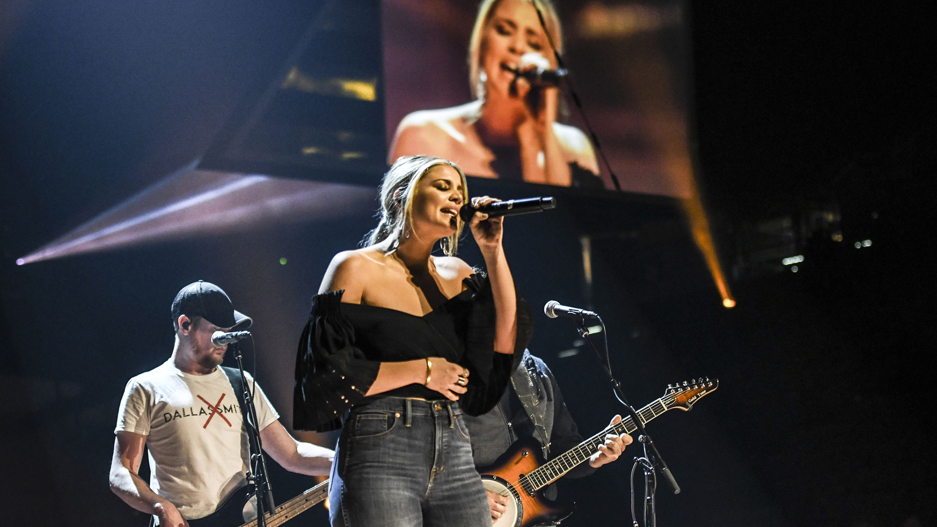 Lauren Alaina, winner of New Female Vocalist of the Year, preps a show-stopping performance.