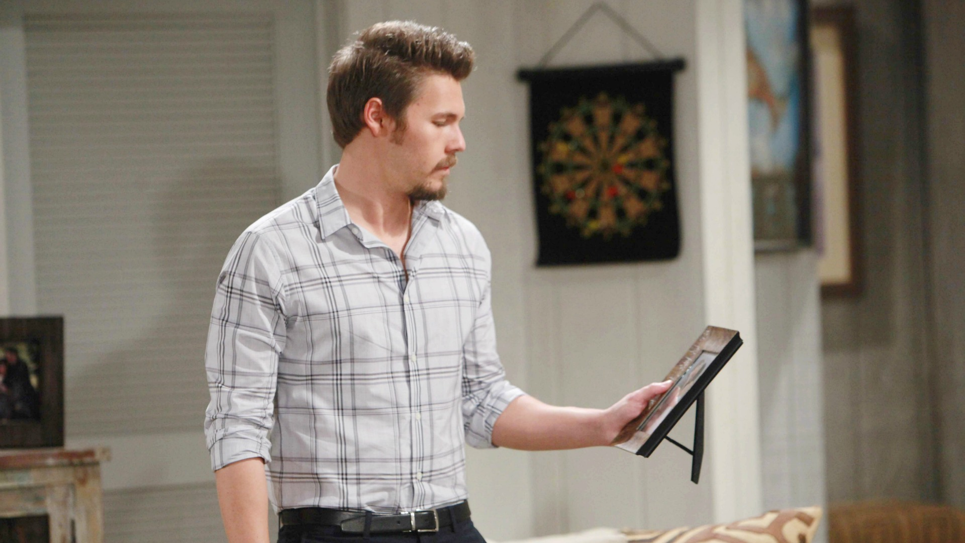 Out of Quinn's clutches, Liam becomes determined to take back everything that is his... including Steffy.