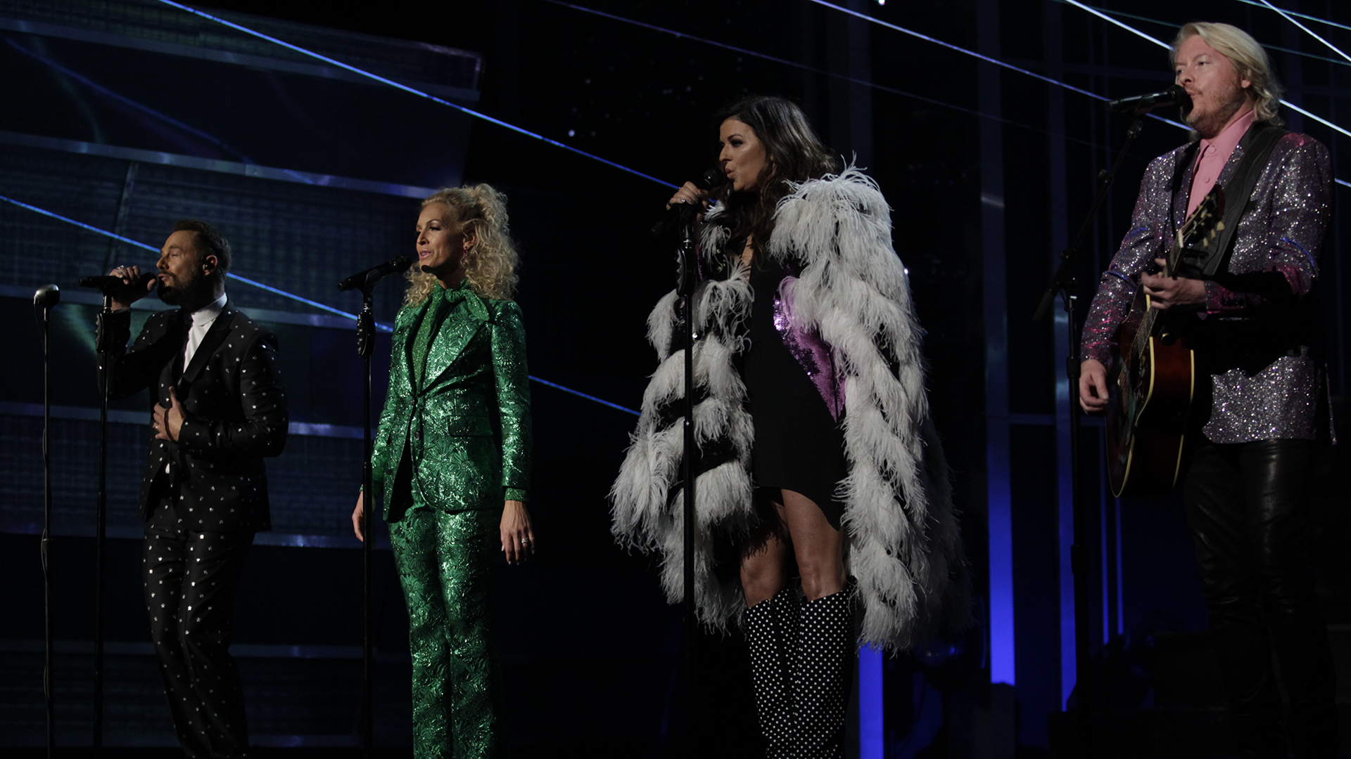 Little Big Town performs a cover of Elton John's famous tune