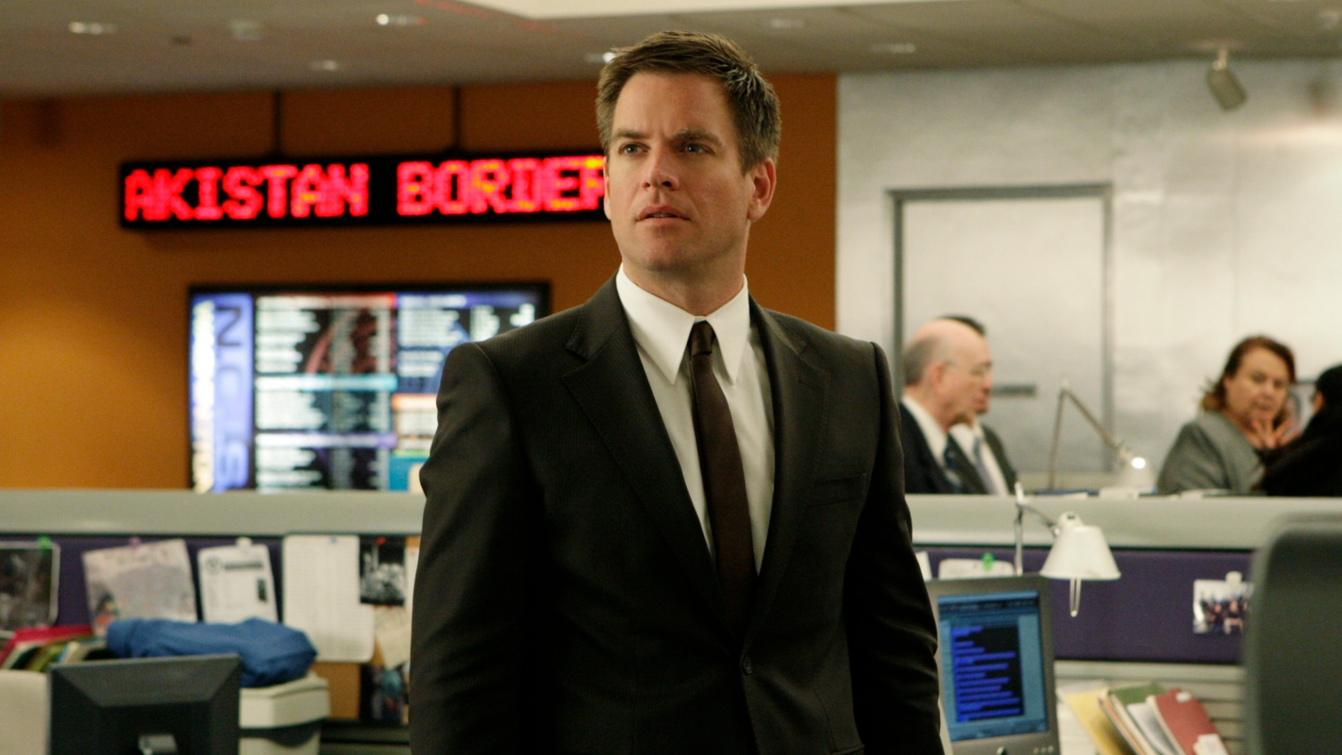 Michael Weatherly spills about his favorite NCIS moments, tonight's finale, and what the future has in store.