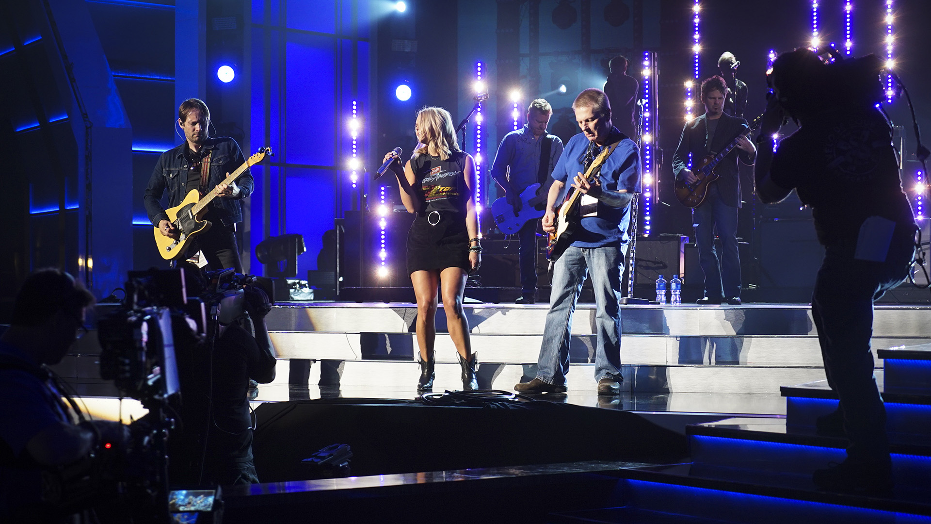 Miranda Lambert rocks out at rehearsal.