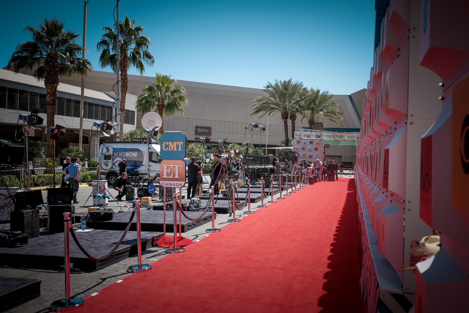 2016 ACMs: Red Carpet