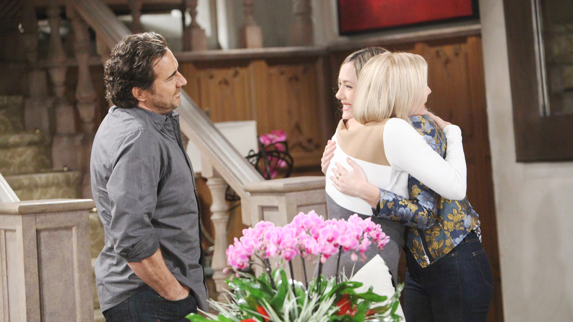 Ridge surprises Brooke by bringing her daughter, Hope, back to Los Angeles.