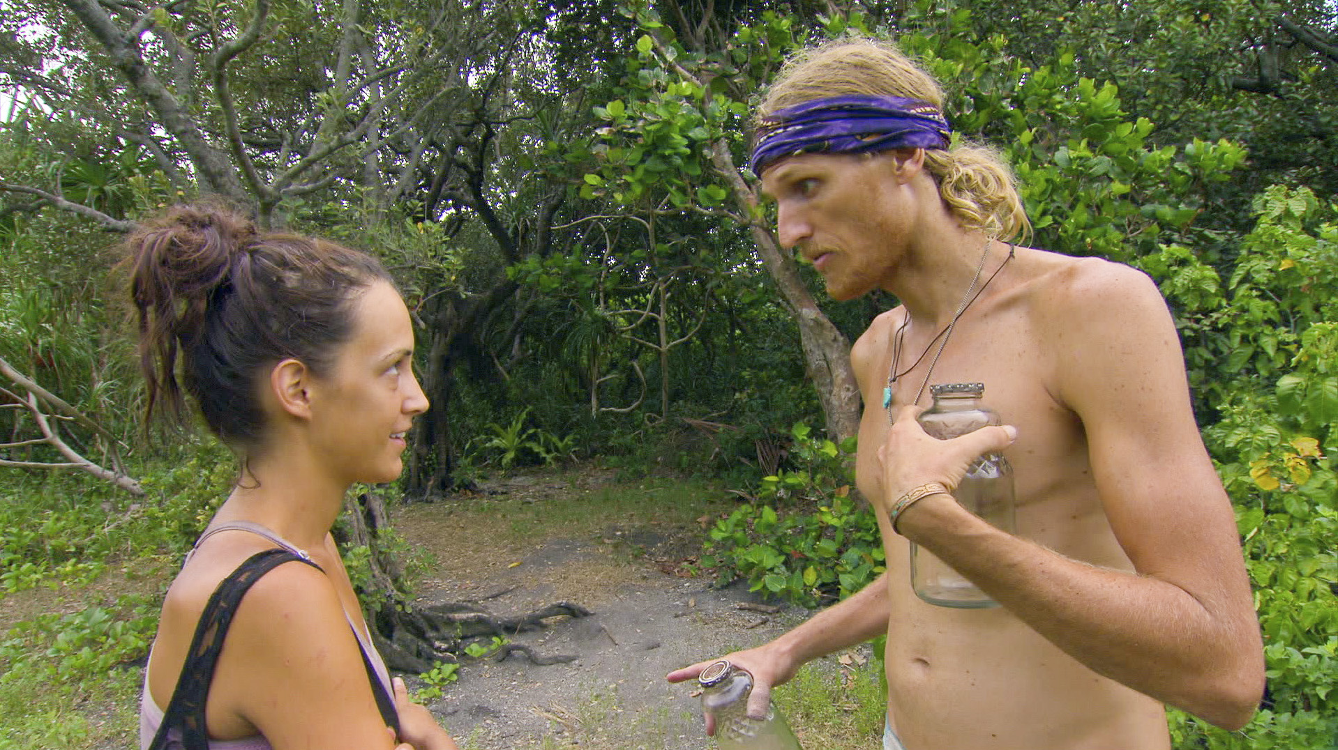 Ciera and Tyson chat in Season 27 Episode 10