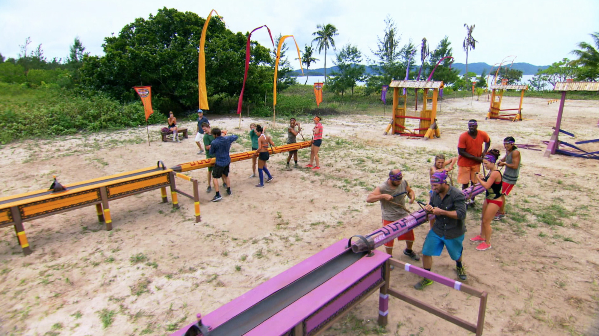 Immunity challenge competition in Season 28 Episode 4