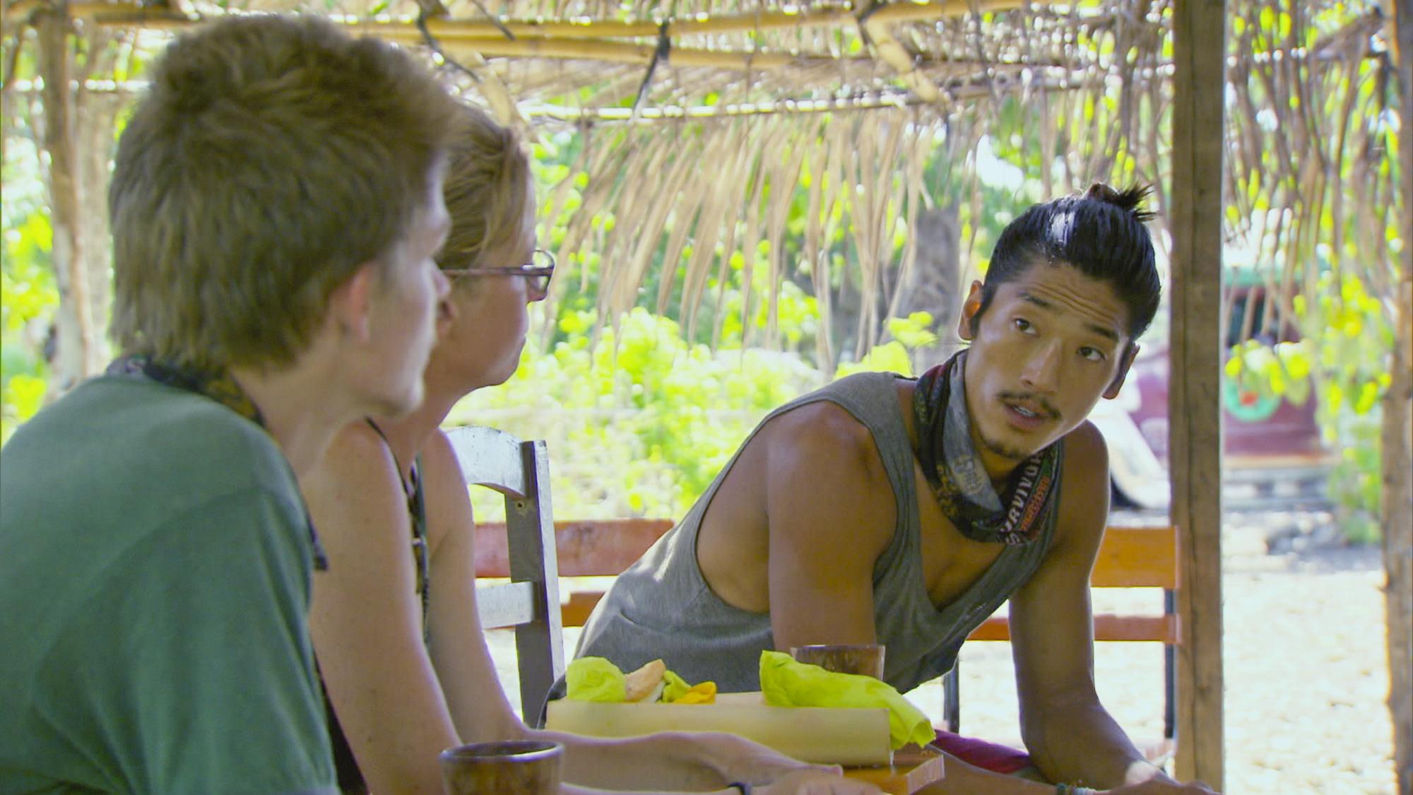 Chatting in Season 28 Episode 11