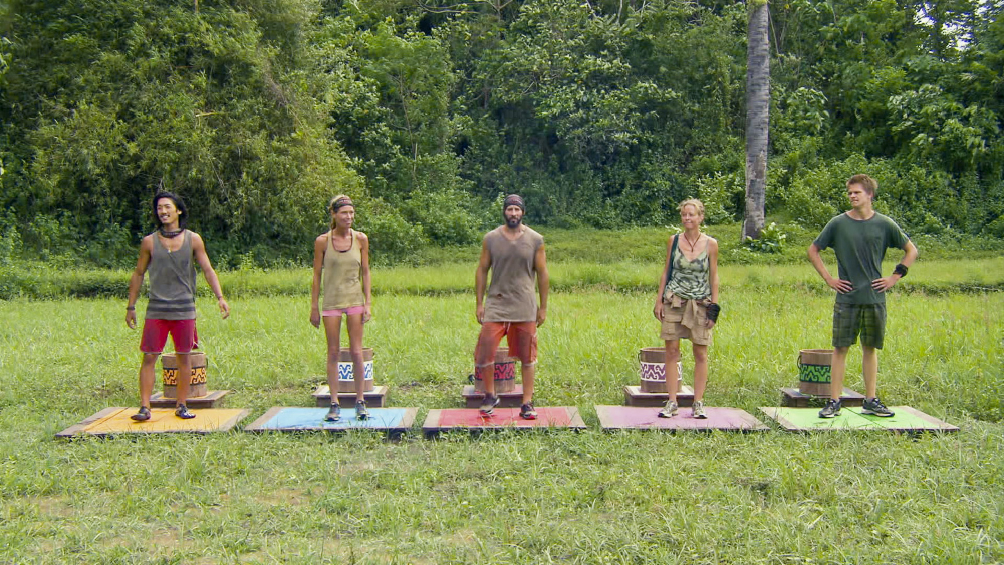 Getting ready for the Reward Challenge in Season 28 Episode 12