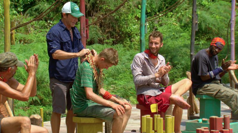 Spencer ends Joe's winning streak and scores the Immunity necklace.