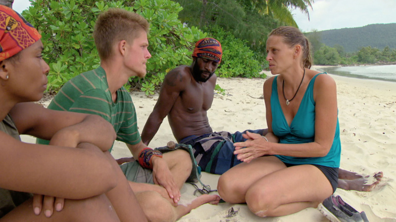 Tasha, Spencer, Jeremy, and Kimmi have a talk before the next Individual Immunity Challenge.