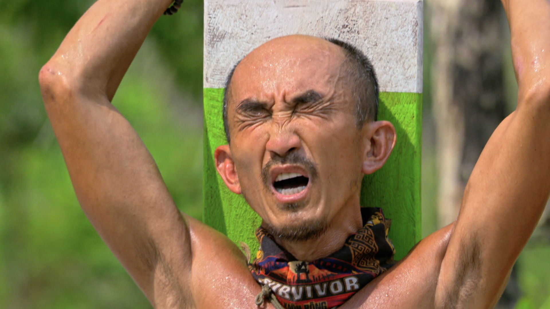 6. Tai battles his way to an Individual Immunity win.