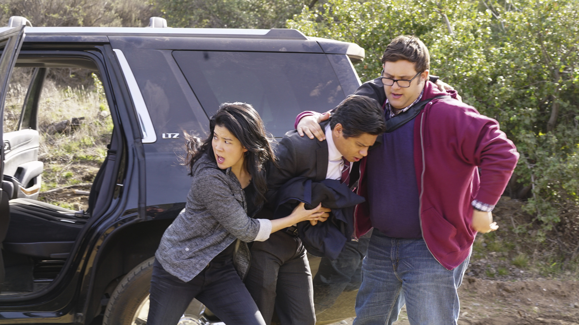 Jadyn Wong as Happy Quinn and Ari Stidham as Sylvester Dodd