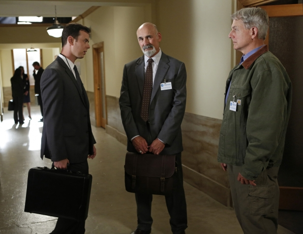 "Threatened Agency in ""Damned If You Do"" NCIS Season Finale"
