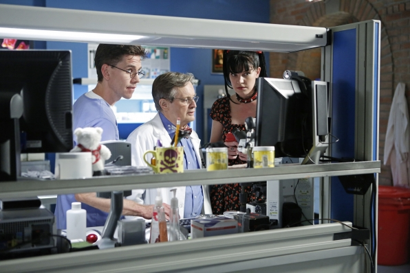 """Lab Work in """"Damned If You Do"""" NCIS Season Finale"""