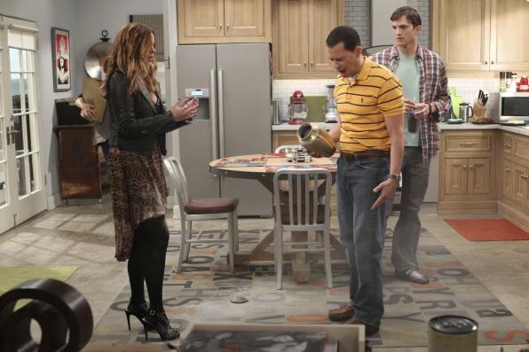 """Kitchen conversation in """"Nangnangnangnang"""" Episode 1 of Season 11"""