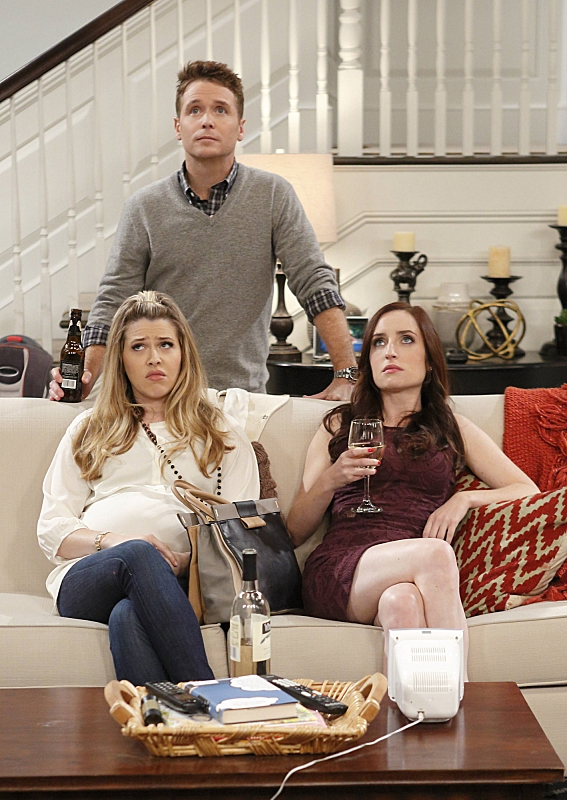 """Trouble upstairs in """"Pros & Cons"""" S1 E4"""