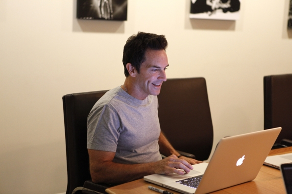 Jeff Probst Chats With Fans