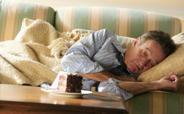 """Sick Simon in """"Sydney, Australia"""" Episode 7 of Season 1"""