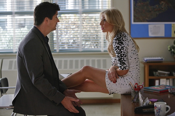 """A his story lesson in """"Daddy Issues"""" S1 E2"""
