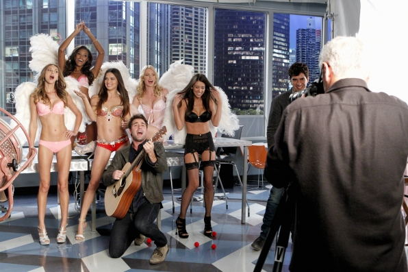 "Zach serenades the Angels in ""Models Love Magic"" Episode 10 of Season 1"