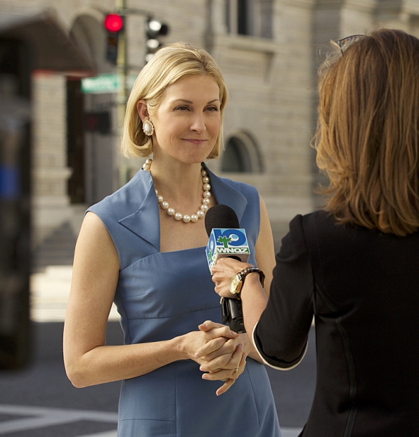 Kelly Rutherford as Joyce Reed