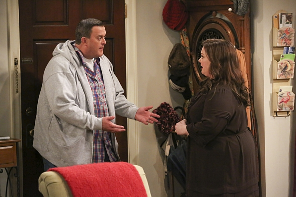 """Mike & Molly in """"Eight Is Enough"""" S4 Finale"""