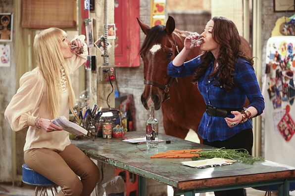 Max and Caroline - 2 Broke Girls