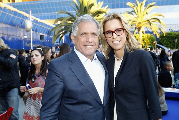 Leslie Moonves and Téa Leoni