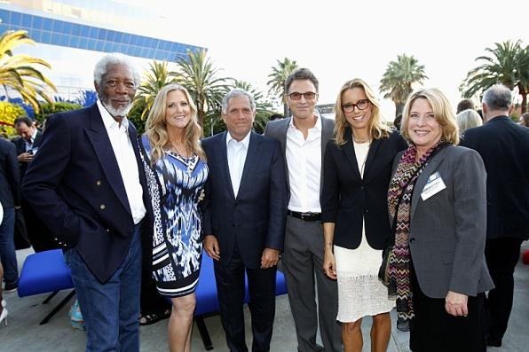 Morgan Freeman, Lori McCreary, Barbara Hall, Téa Leoni and Tim Daly of Madame Secretary, with Leslie Moonves