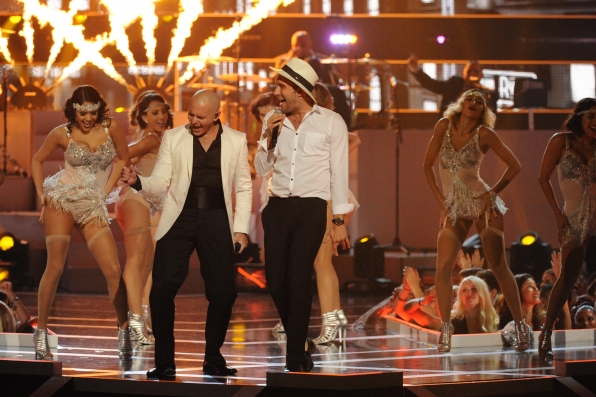 Pitbull and John Ryan - Fashion Rocks