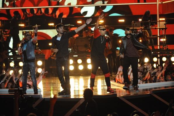 Enrique Iglesias, Sean Paul, and Nico & Vinz perform
