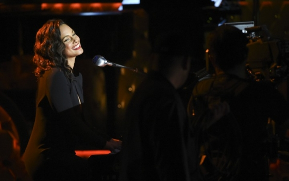 7. Alicia Keys makes everyone swoon.