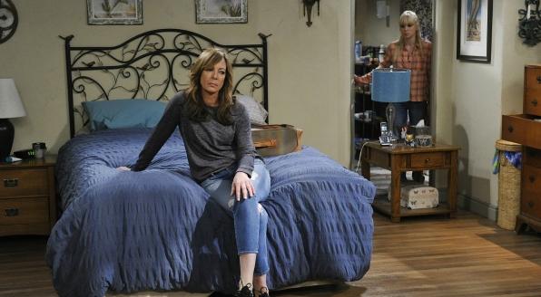Allison Janney - Mom
