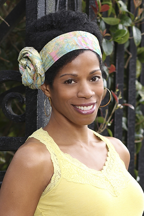 Which CBS star did Kim Wayans costar with in a 90's sitcom?