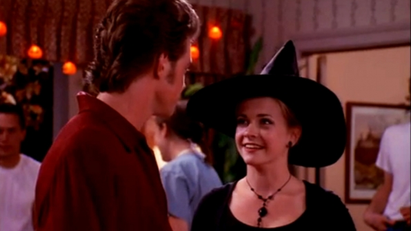 14 of the best tv episodes to get you in the halloween spirit