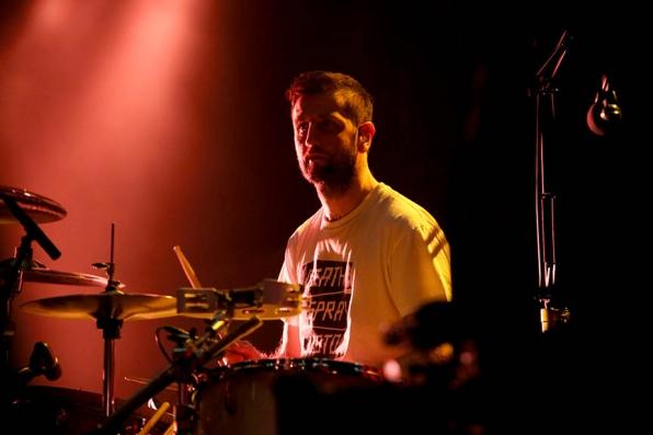 Keane's Drummer Richard Hughes Warms Up