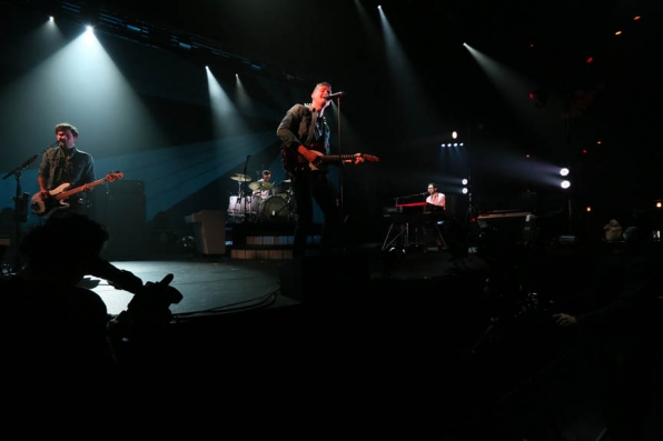 Keane Performs a Soundcheck