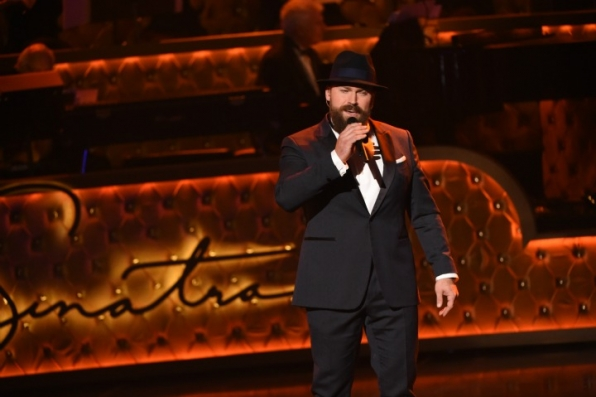 2. Zac Brown blows the audience away with his bold vocals.
