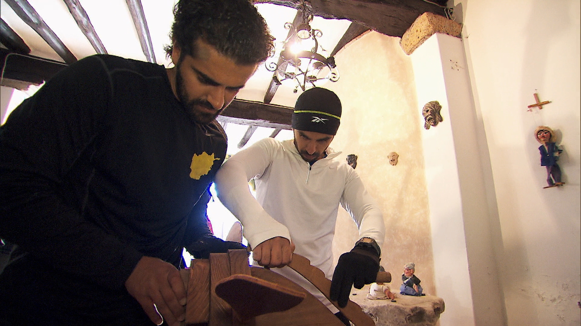 Jamal and Leo in Season 24 Episode 8