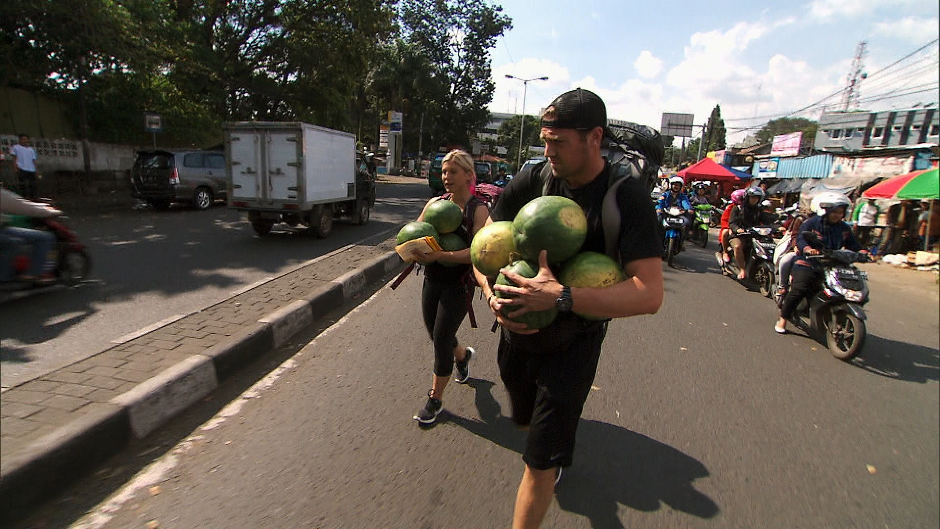 Carrying food in Season 23 Episode 9