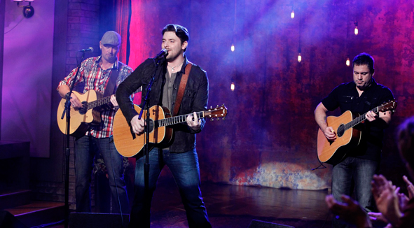 Chris Young Performs