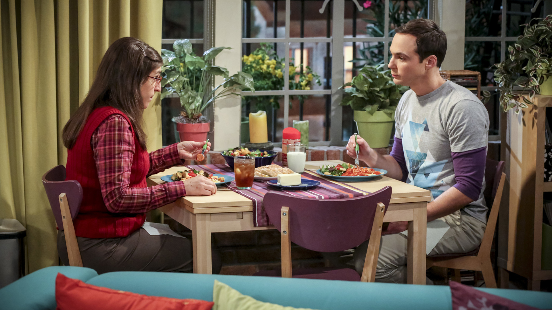 Amy and Sheldon discuss hosting brunch.