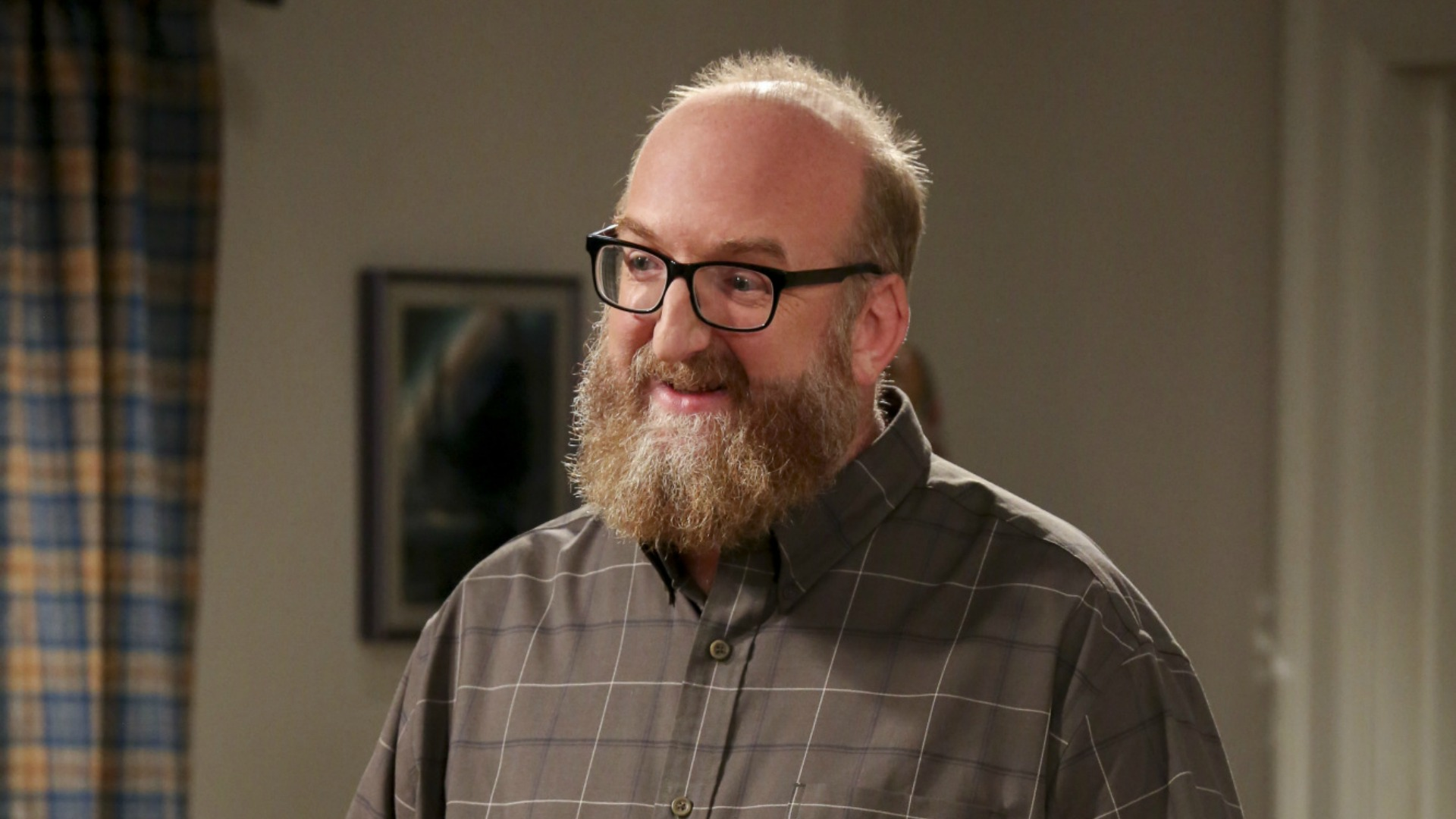 Bert (Brian Posehn) welcomes the girls to his house party.