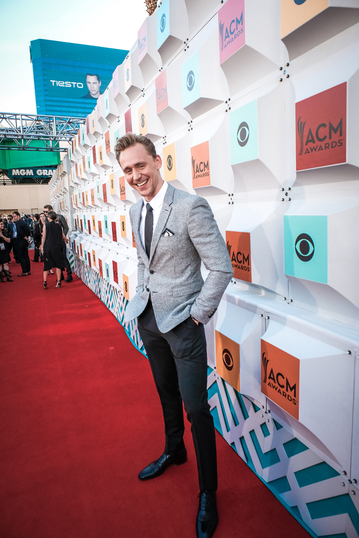 2016 ACMs: Tom Hiddleston