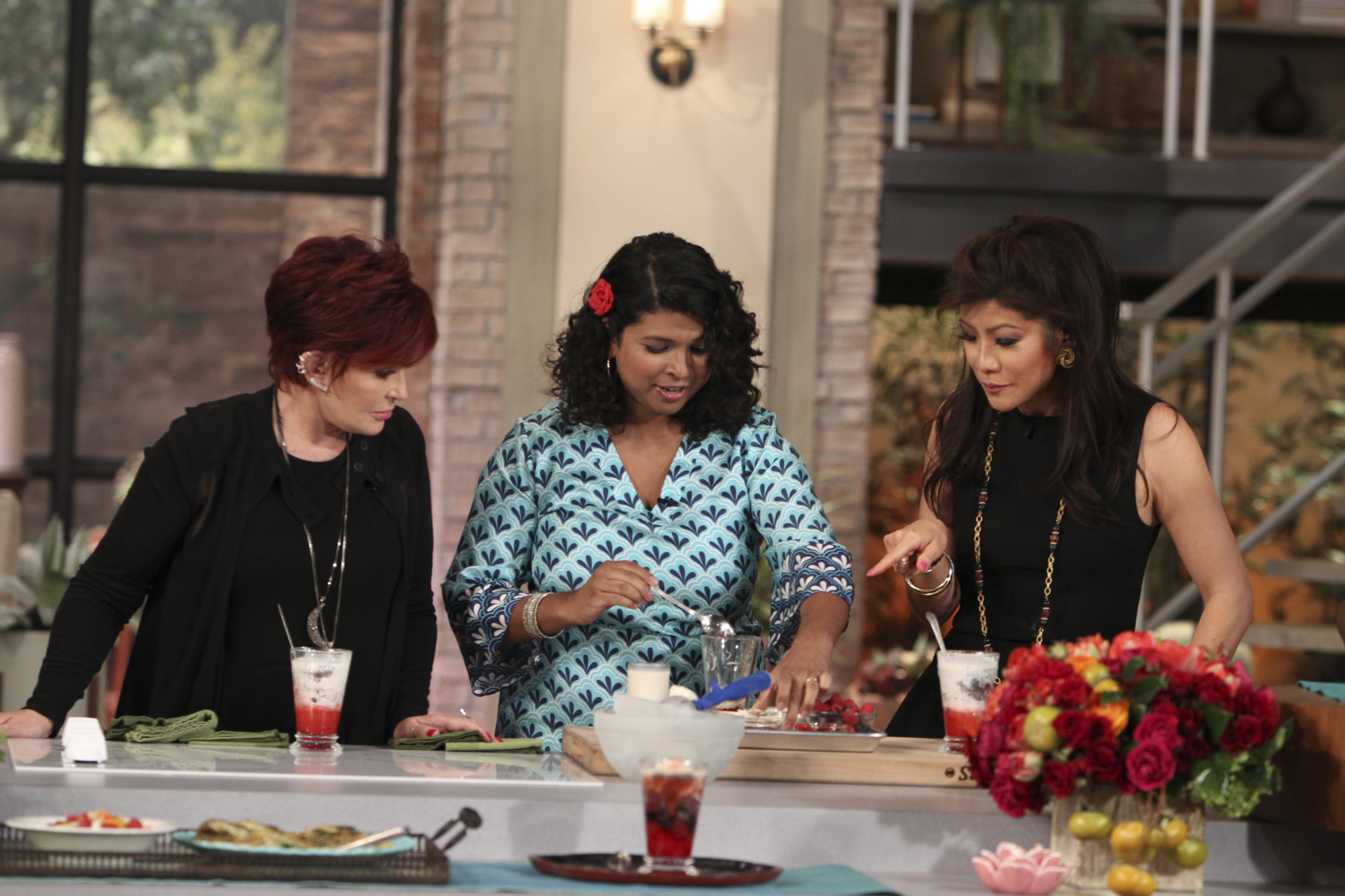 5. Sharon and Julie cooking with Aarti Sequeira.