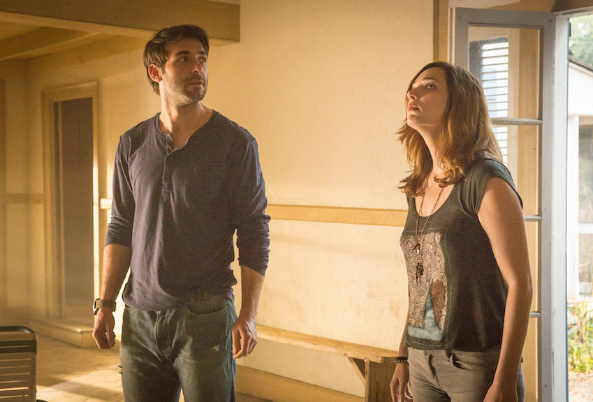 James Wolk as Jackson Oz and Kristen Connolly as Jamie Campbell.